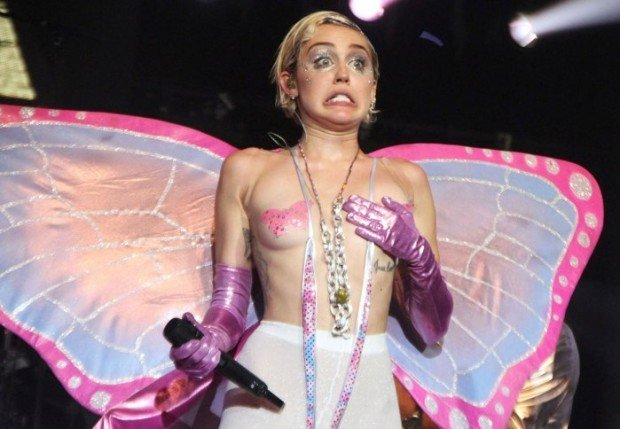 Wild and whacky singer Miley Cyrus never fails to surprise her fans