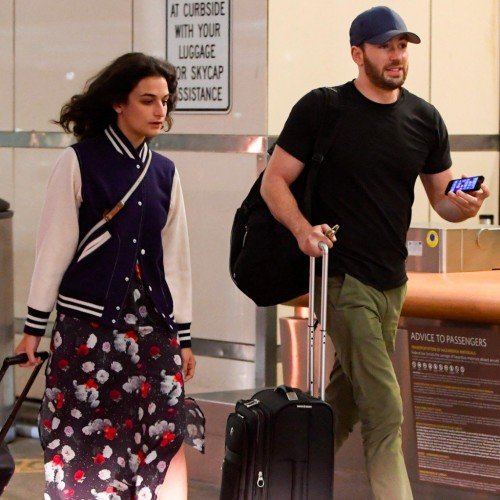 Chris-Evans-Jenny-Slate-LAX-July-2016[1]