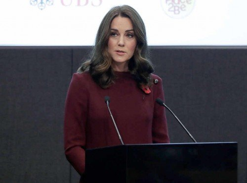 rs_1024x759-171108053446-1024-Kate-Middleton-2JR-110817[1]