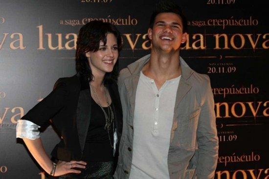 http://www.starslife.ru/images/content_images/_novolunie__v_brazilii_2c9b8da2.jpg