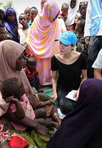 Анжелина Джоли в Кении