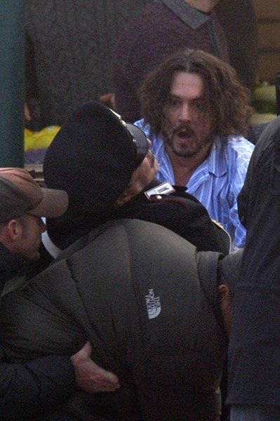 http://www.starslife.ru/images/content_images/dzhonni_depp_fac18cf7.jpg