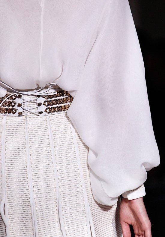 Прически и макияж коллекции Yves Saint Laurent, осень-зима 2011-2012.