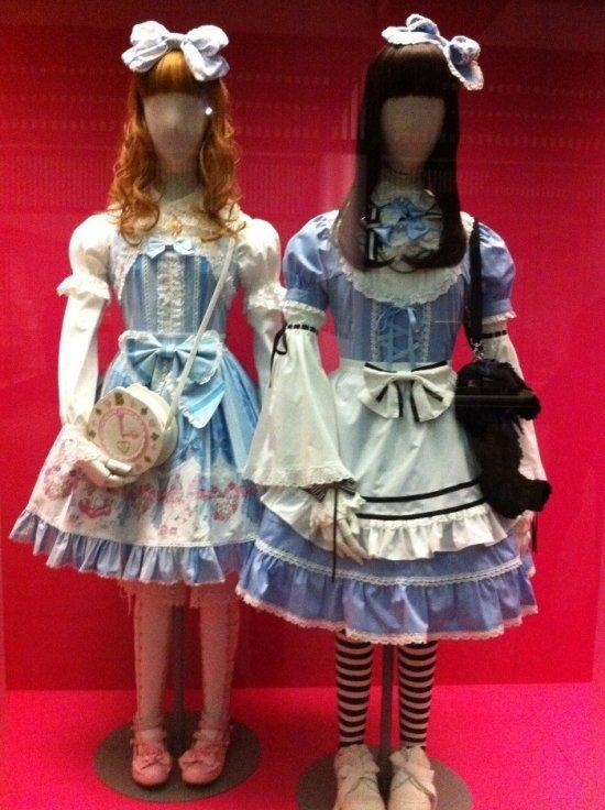 Образ Лолиты - девочки-куклы, кокетливой и манящей, прижился в Японии