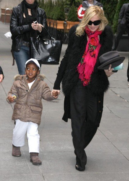 Мадонна выходит из Каббала-центра