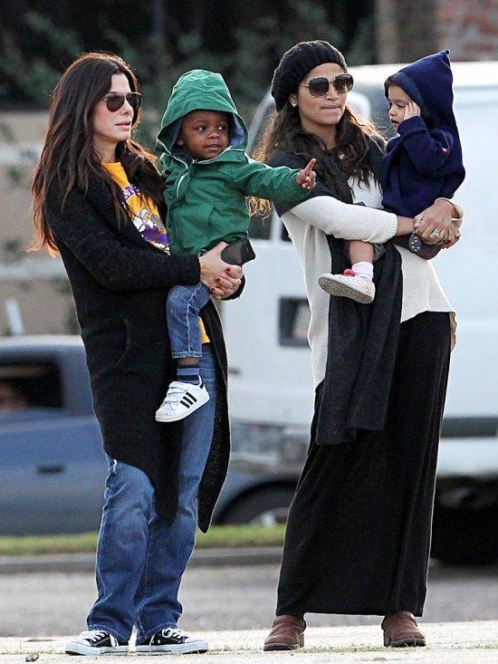 сандра буллок с детьми фото