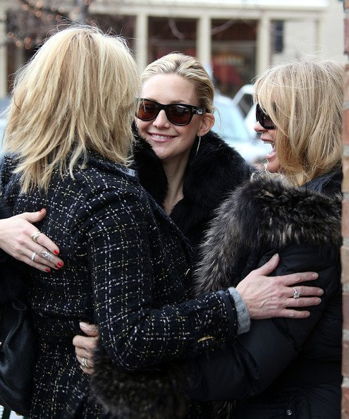 семья Голди Хоун
