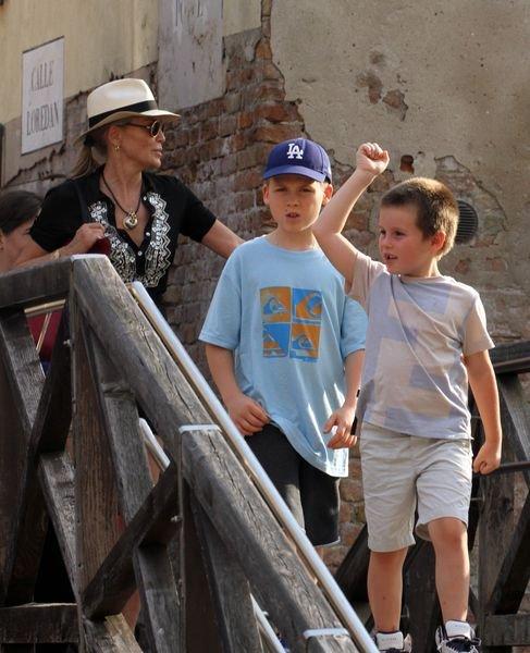 Шэрон Стоун с детьми провела выходные в Венеции (ФОТО) - изображение №2
