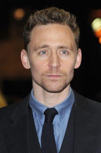 Том хаддлстоун подстригся