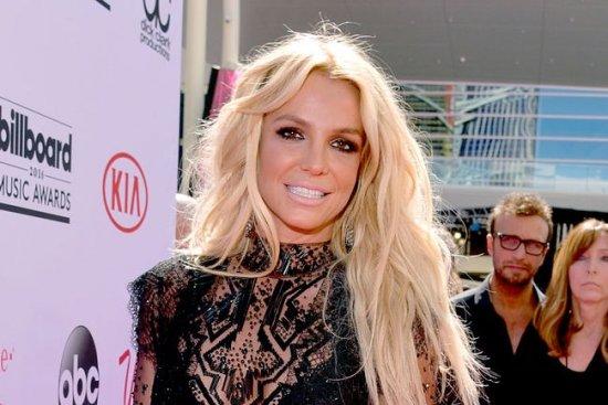 Смотреть Бритни Спирс ответила экс-супругу: Не мои проблемы, что утебя столько детей видео