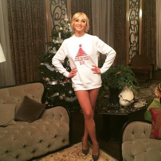 у российских звезд под юбкой фото крупно