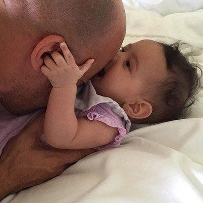дочка малшыка сосет у папы