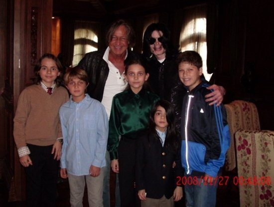 Майкл Джексон с детьми