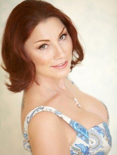 Роза Сябитова: http://www.starslife.ru/tag/roza-syabitova/