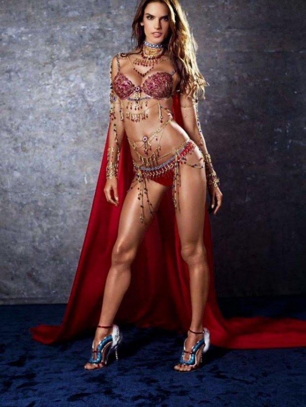 Alessandra-Ambrosio -2014-Victorias-Secret-Fantasy-Bra-Preview--01-662x881
