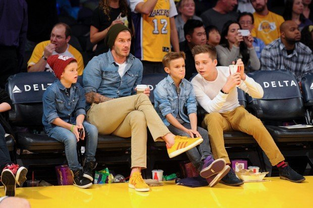 David-Beckham-Lakers-Game-His-Sons-Pictures