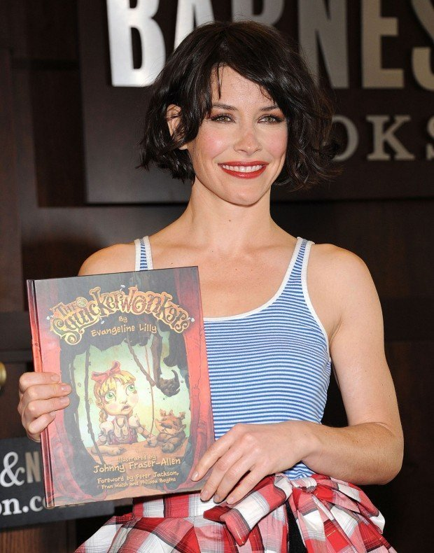 evangeline-lilly-the-squickerwonkers-book-signing-at-barnes-noble-in-los-angeles_5