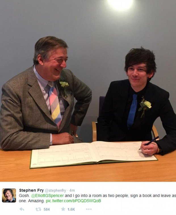 24CA0E5700000578-2914707-Stephen_Fry_has_married_partner_Elliott_Spencer_sharing_the_happ-m-6_1421518569616