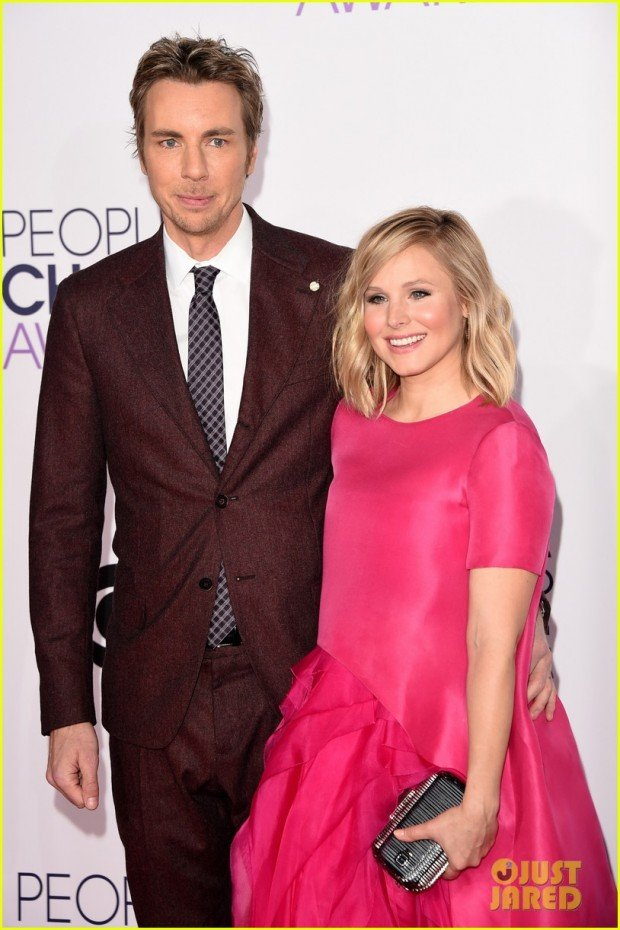 kristen-bell-peoples-choice-awards-post-baby-03