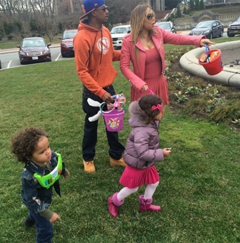 Мэрайя Кэри с бывшим мужем и детьми веселятся на католическую Пасхи