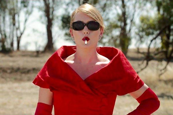 kate-winslet-is-fashion-designer-in-the-dressmaker