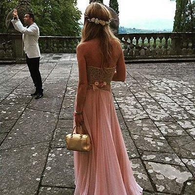 Линдси Лохан бегала обнажённая на свадьбе друзей