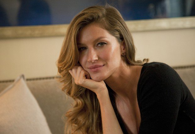 This Jan. 6, 2014 photo shows Fashion model Gisele Bundchen posing for a portrait in New York. Bundchen is the new spokesperson for Pantene hair products. (Photo by Andy Kropa/Invision/AP) ORG XMIT: NYAK102