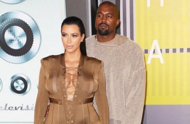 kim-kardashian-learning-to-play-piano-for-a-duet-with-hubby-kanye-west