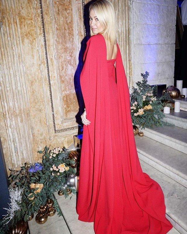 c2c8862c4 Яна Рудковская купила платье Золушки за 1 миллион рублей