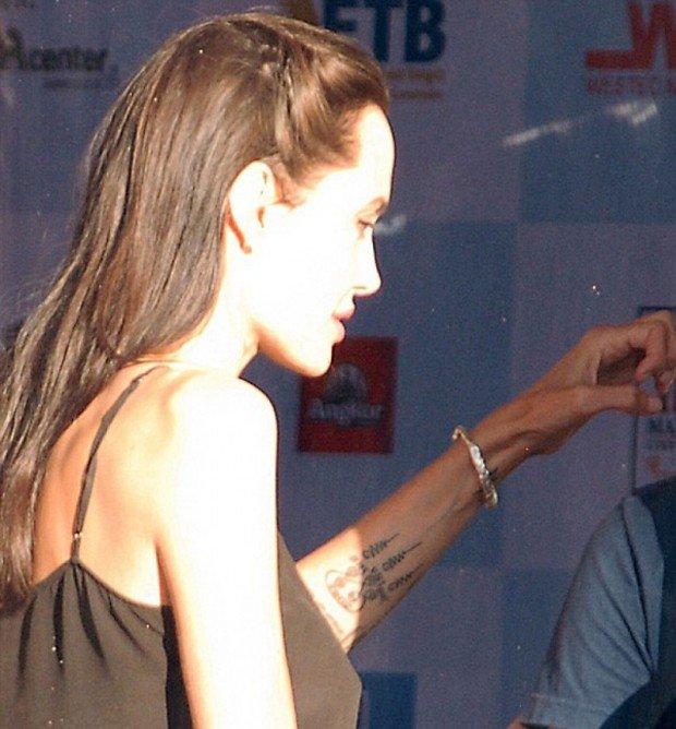 Анджелина Джоли сделала новое тату в честь погибших камбоджийцев