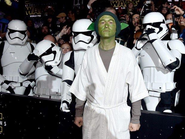 Джозеф Гордон-Левитт появился на премьере «Звёздных войн» в костюме Мастера Йоды