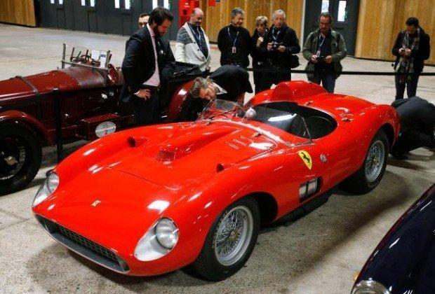 Лионель Месси купил самый дорогой автомобиль в мире