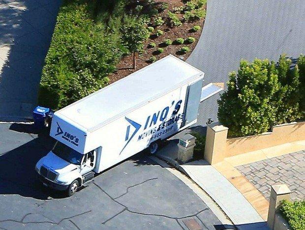 0329-kim-kanye-moving-truck-x17-4