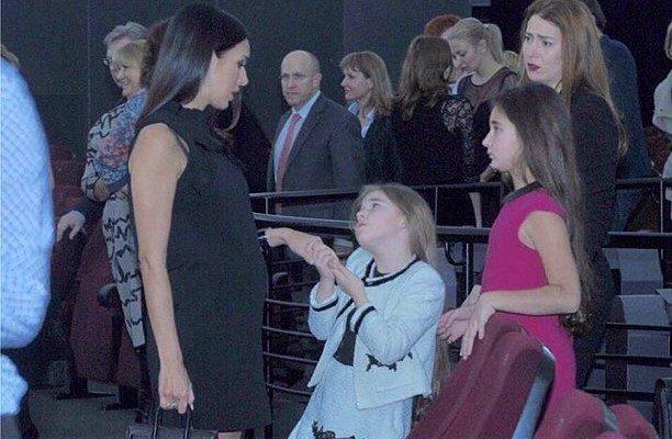 33-летняя Алсу вернулась на сцену после рождения третьего ребенка