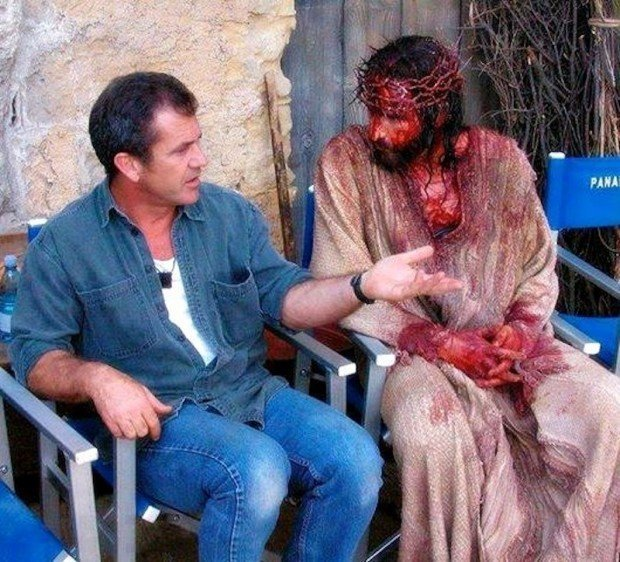 http://www.starslife.ru/wp-content/uploads/2016/06/Mel-Gibson-y-James-Caviezel-La-Pasionde-Cristo-Empeliculados.co_-620x562.jpg