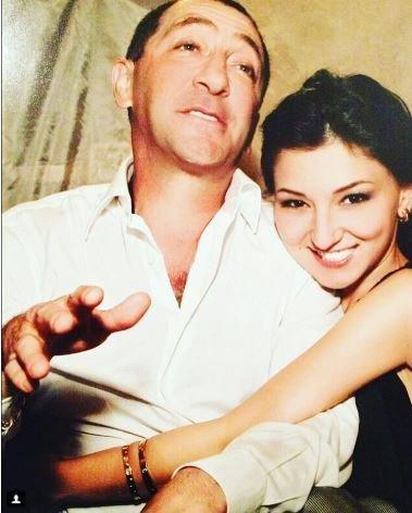 Силой взял дочку