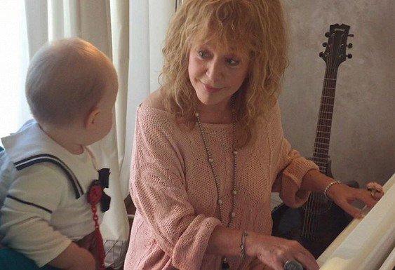 Пугачева занимается музыкой сдочкой Николаева— Дорогой педагог