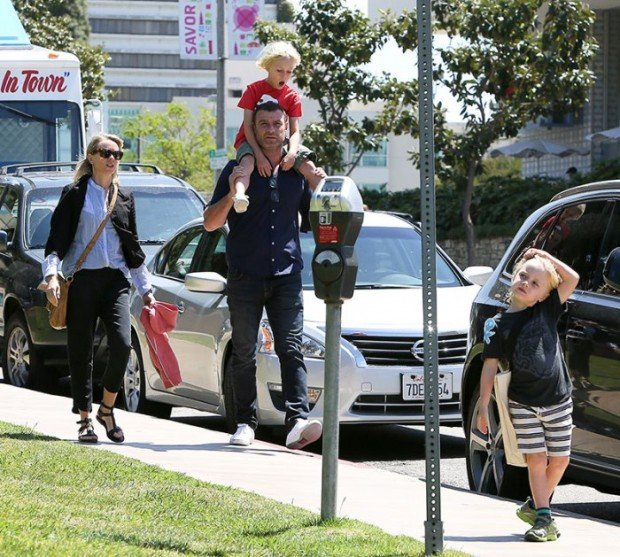 EXCLUSIVE: Naomi Watts and Liev Schreiber takes their kids to the theater in Westwood - Part 2