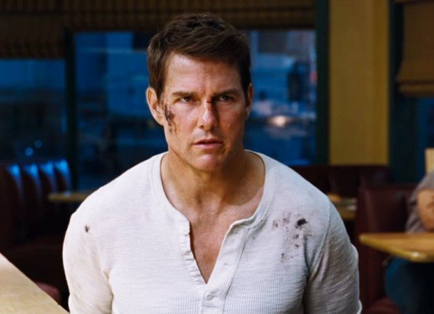 http://www.starslife.ru/wp-content/uploads/2016/09/tom-cruise-beats-the-bad-guys-to-death-in-jack-reacher-never-go-back-620x449.jpg