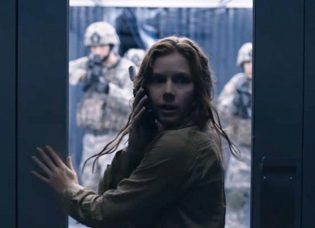 http://www.starslife.ru/wp-content/uploads/2016/10/amy-adams-tries-to-save-the-world-from-aliens-in-tense-arrival-620x449.jpg