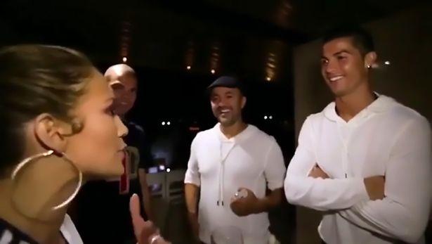 Дженнифер Лопес подарила сестре на день рождения встречу с Криштиану Роналду