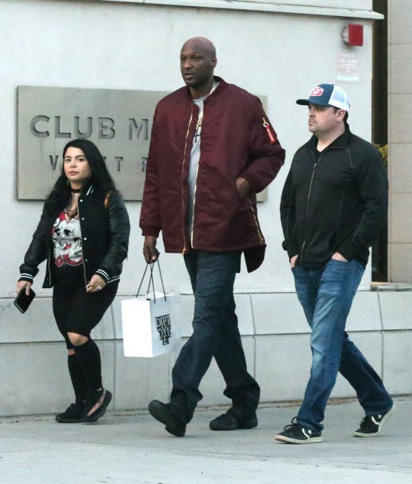 lamar-odom-rehab-release-shopping-perfume-beverly-hills-5