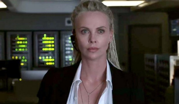 http://www.starslife.ru/wp-content/uploads/2017/03/charlize-theron-controls-all-cars-in-fate-of-the-furious-new-trailer-620x362.jpg