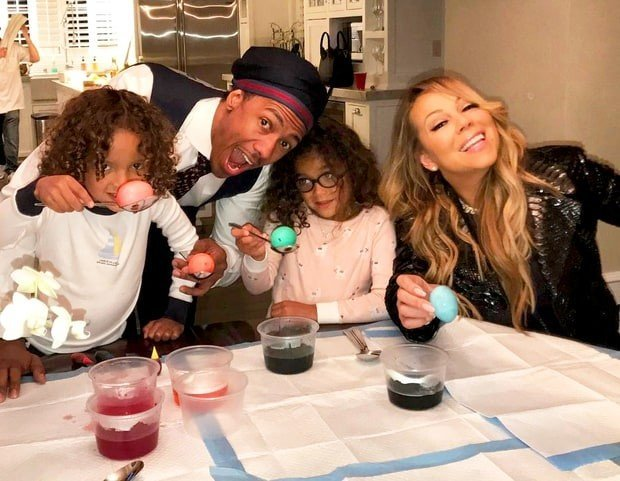 http://www.starslife.ru/wp-content/uploads/2017/04/nick-cannon-mariah-carey-moroccan-monroe-zoom-bb13aa8f-1df4-47b5-b568-64af06cc609d-620x481.jpg