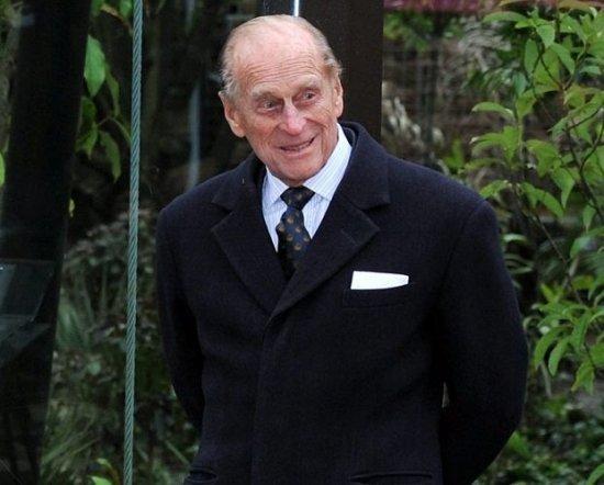Супруг  королевы Англии  сосени прекратит выполнять государственные обязанности
