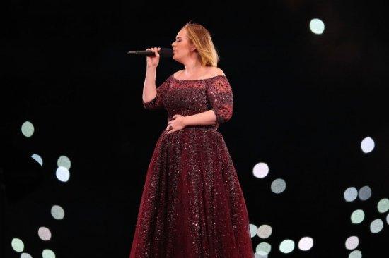 Эстрадная певица Адель может отказаться отгастрольной деятельности