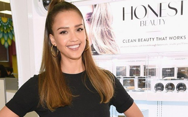 Jessica-alba-honest-company-settles-class-action-lawsuit-cleaning-products-PP