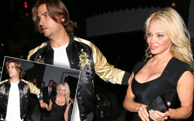 pamela-anderson-mystery-man-dating-julian-assange-pp
