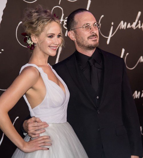 gallery-1505381139-jennifer-lawrence-and-darren-aronofsky-1[1]
