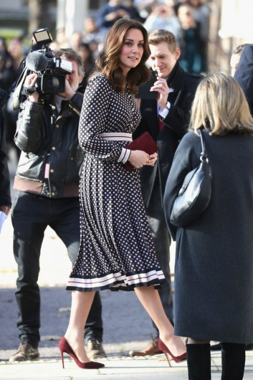 l-kate-middleton-royal-engagement[1]
